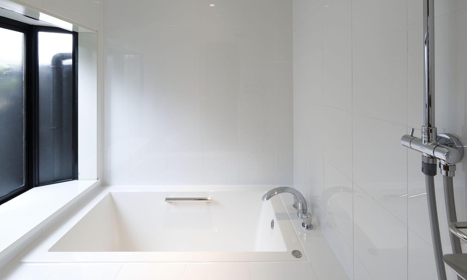 草庵秋桜 本館 内湯付き 部屋のお風呂イメージ